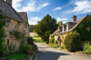 cotswolds_stone_houses-940x450